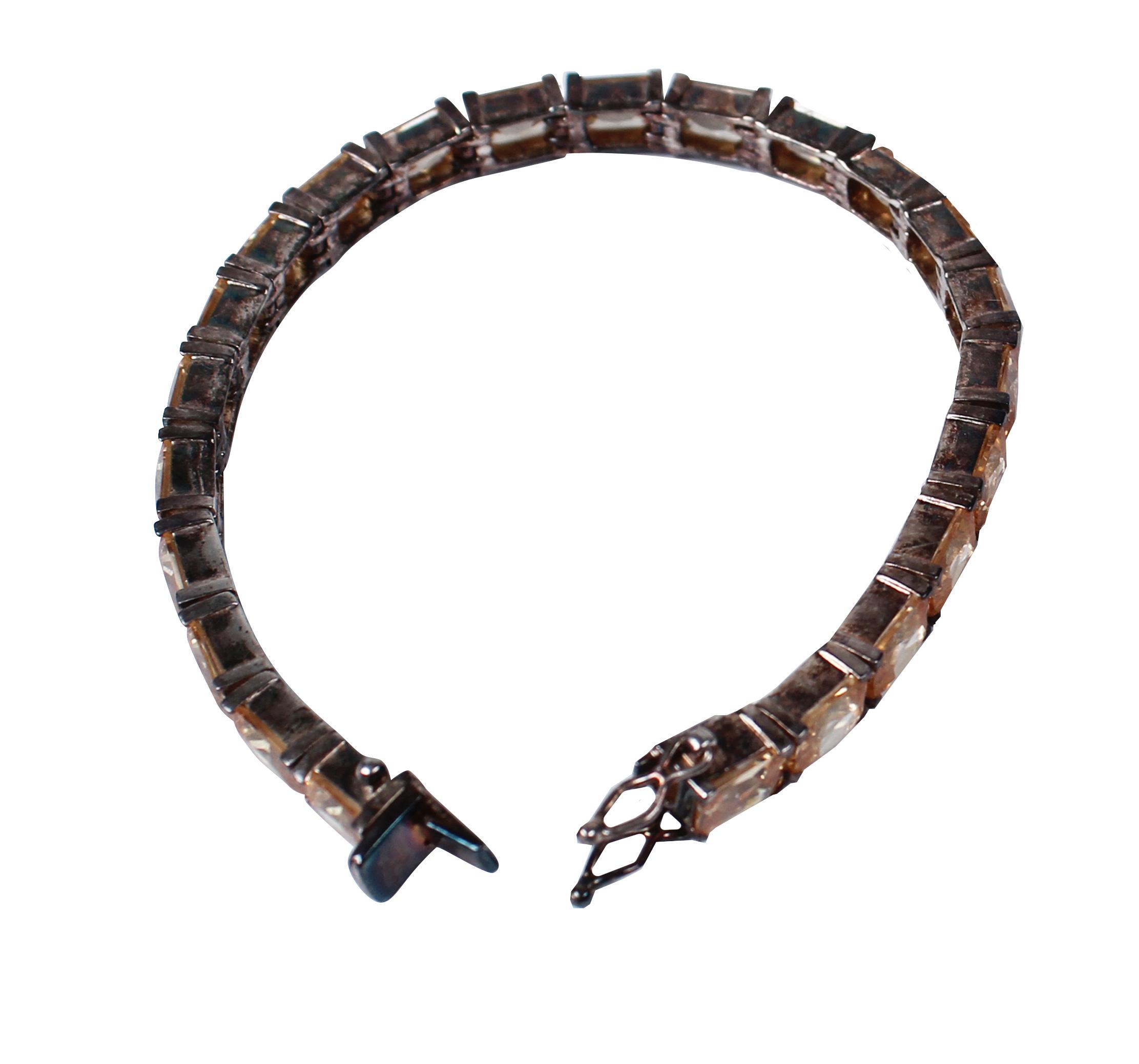 Halskette vor Ultraschallreinigung